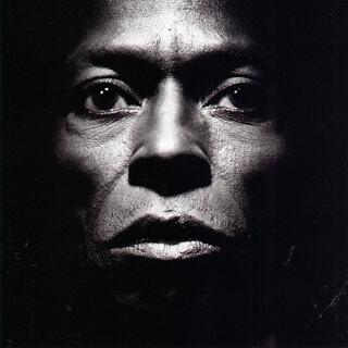 09    Miles Davis - Tutu_w320.jpg